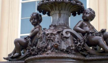 Laternensockel, Museumsquartier, Wien