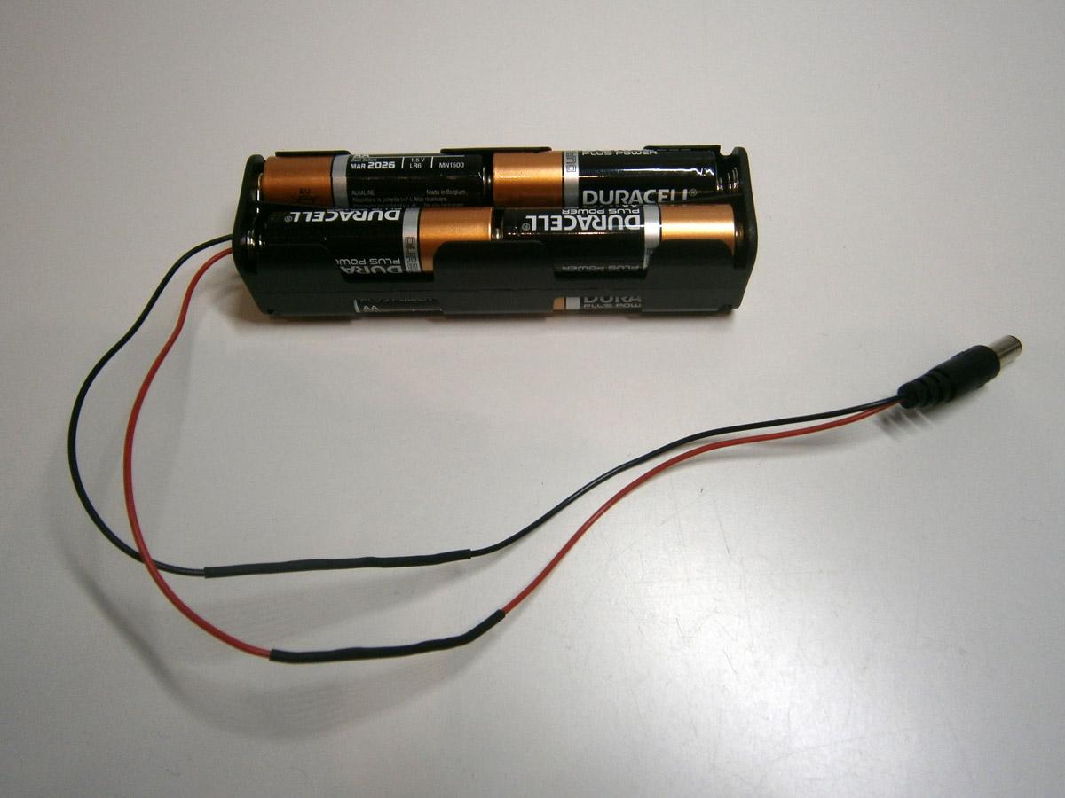 Batteriehalter mit DC-Kabel verlöten