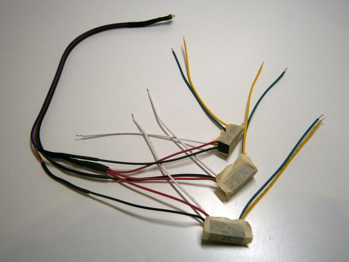 Konstantstromquelle an RGB-Verlängerungskabel anlöten