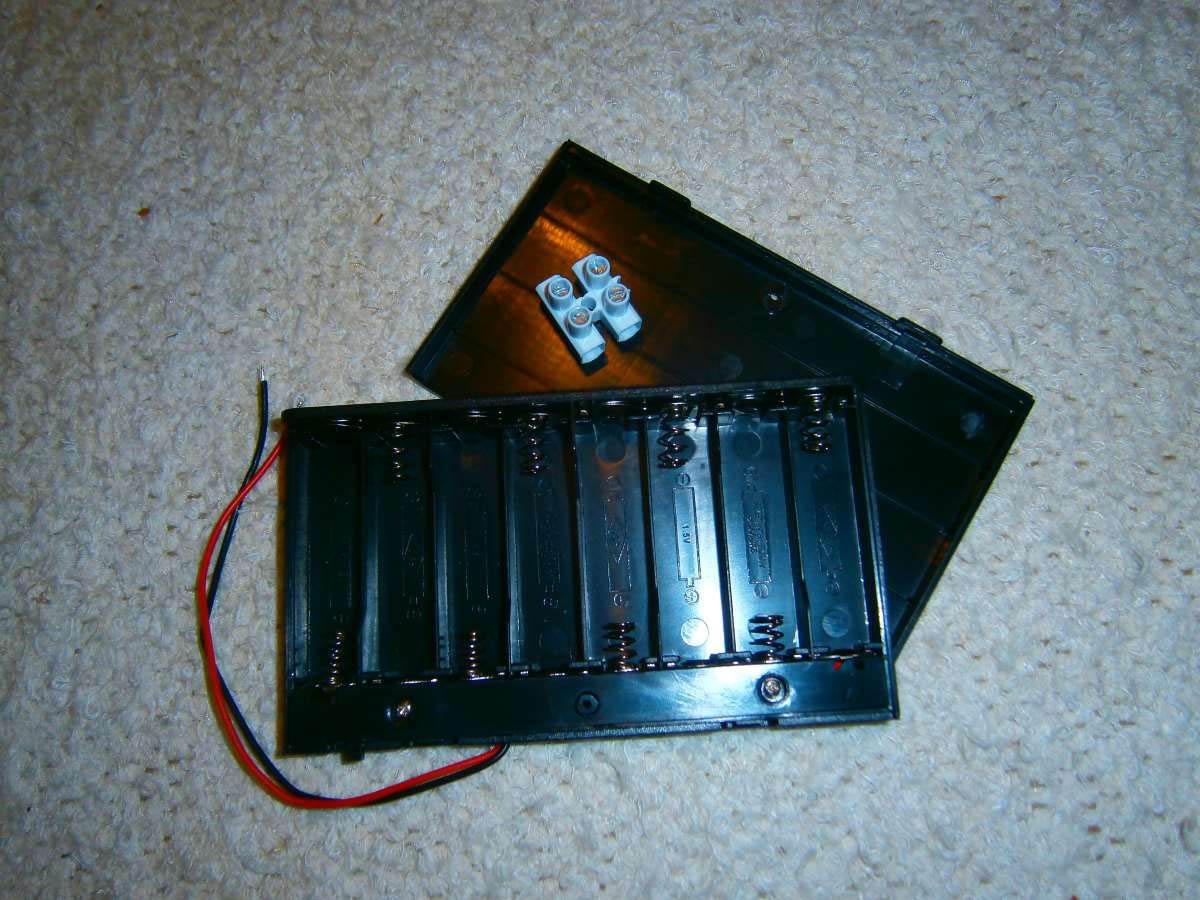 Batteriehalter für 8 Mignon-Batterien