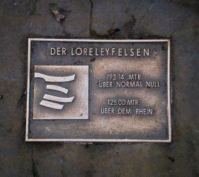 Bodenplatte auf der Loreley